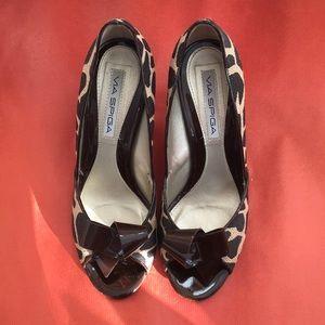 Via Spiga Spotted Safari Heels Shoes 8M